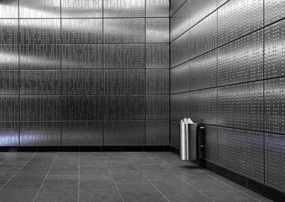 Blindenschrift in der Düsseldorfer U-Bahn