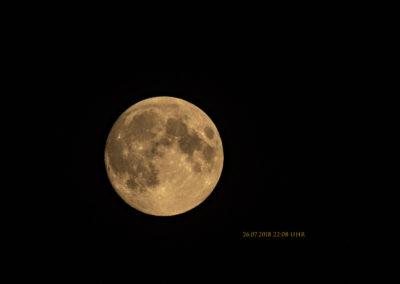 Mond ein Tag vor dem Ereignis